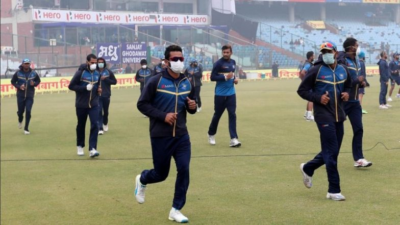 Delhi Air Pollution: Cricketers Forced to Wear Masks Due to Poor Air Quality During Ranji Trophy 2018-19 Match (See Pics)