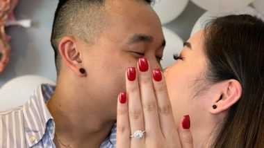 With Nails Not Done, Woman Uses Her Cousin's Hand for the Perfect Proposal Photo; Hilarious Tweet Goes Viral