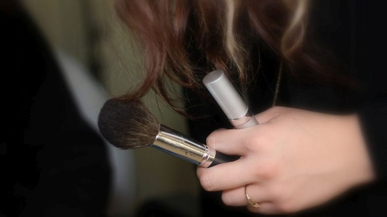 Woman Chops off Chunk of Her Hair To Make A DIY Makeup Brush! Watch Bizarre Video