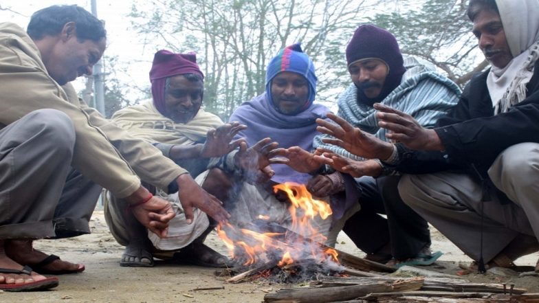 Mumbaikars Brave the Cold As Mercury Dips to 11 Degrees, Pune Shivers at Season's Lowest Temperature of 5.1 Degrees