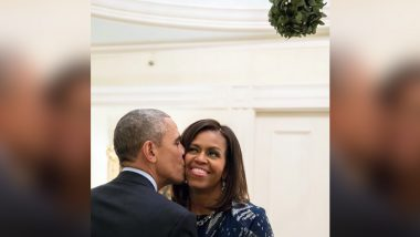 Donald Trump Tweets Just 'Merry Christmas' While Barack Obama Shares Pic Kissing Wife Michelle Under a Mistletoe is a Perfect Christmas Greeting