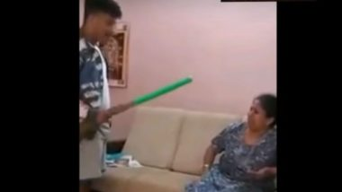 Bengaluru: Video Showing 17-Year-Old Boy Beating Mother With Broom is the Most Shameful Act You Will Witness on Internet