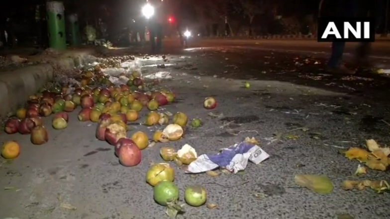Delhi: One Fruit Vendor Dead, Another Injured, After Being Hit by Over-Speeding Car in Dwarka