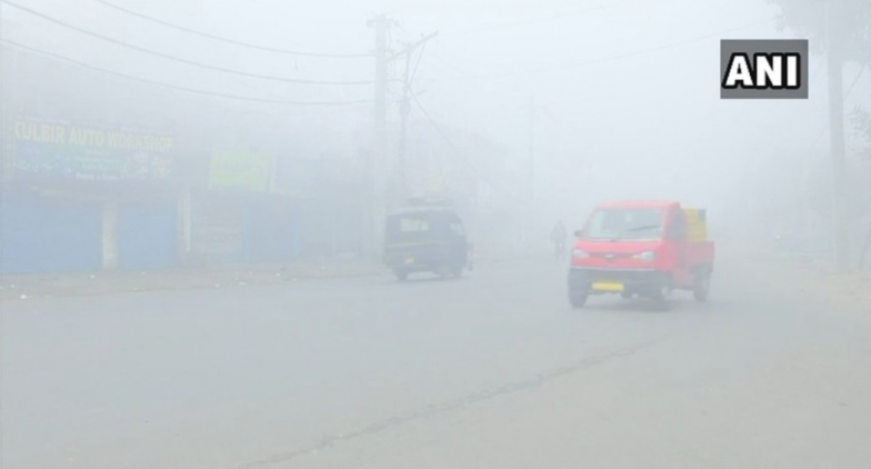 Temperature Drops to Zero in Karnal As Cold Wave Sweeps Haryana, Punjab & Delhi; Flights Delayed As Fog Takes Over Northern India