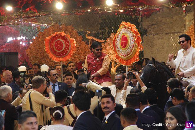 Anant And Akash Ambani Riding Horses At Isha And Anand Piramal's Wedding Ceremony Oozes Royalty (View Pics of Ambani Brothers From Antilia)