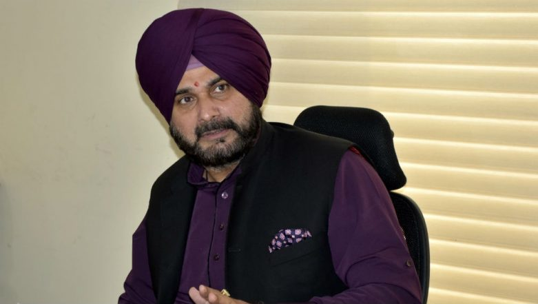 Navjot Singh Sidhu Derides 'Mai Bhi Chowkidar' Campaign, Compares it to US, China's Push For Development