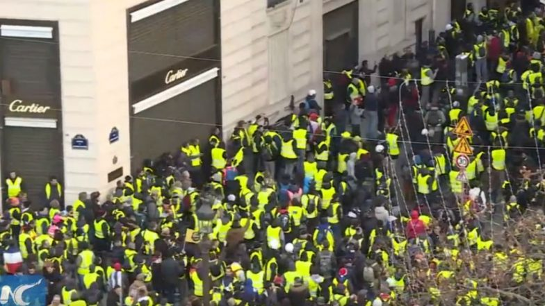 Yellow Vest Rallies Hit France Again, Police Detain Over 300 Protestors in Paris; Use Tear Gas