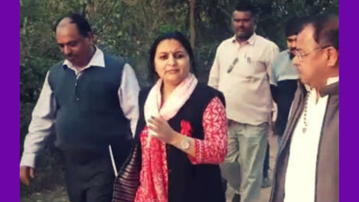 EVM Tampering in MP Elections 2018? Rewa Collector Preeti Maithil Nayak Orders Security to 'Shoot' Anyone Coming Near Strongroom
