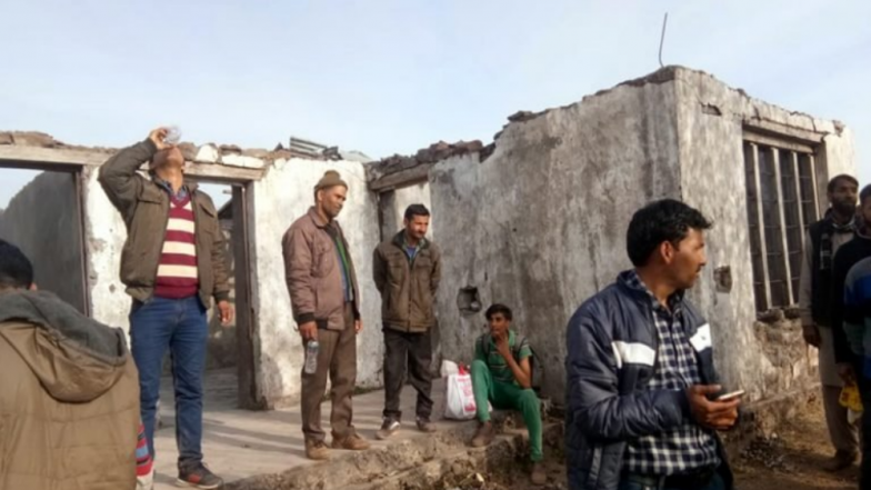 Jammu and Kashmir Panchayat Elections 2018: Action Initiated Against Officials After Pictures of 'Roofless' Polling Station Goes Viral