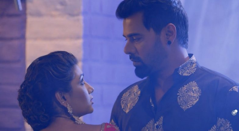Kumkum Bhagya April 12, 2019 Written Update Full Episode: Pragya and Abhi Remember Old Times and Vow to Never Meet Each Other