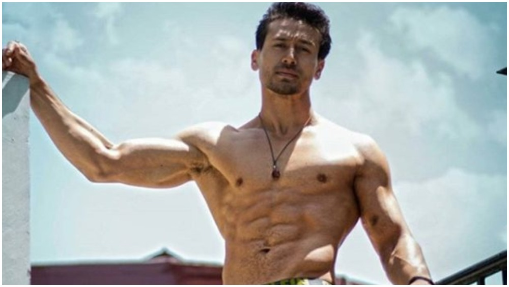 Covid-19 Lockdown: Tiger Shroff Misses Workout Routine; Promises To Stay In Shape With Home Workout!