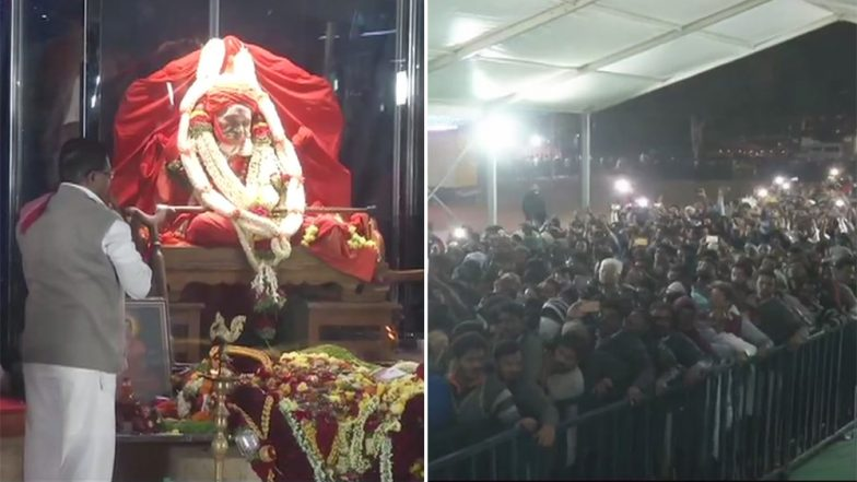Sri Shivakumara Swamiji Funeral: Sea of Devotees Gather to Catch a Final Glimpse of the Seer, Last Rites to Be Held at 4.30 PM Today