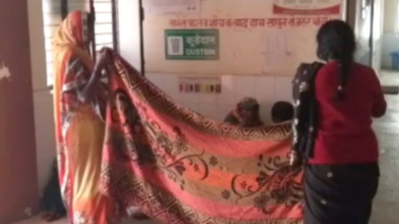 Uttar Pradesh: Woman Gives Birth on Floor After Failing to Find a Doctor in Gonda