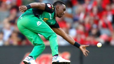 BBL 2018-19: Dwayne Bravo Takes a Stunning Catch During Melbourne Renegades vs Melbourne Stars T20 Match, Watch Video