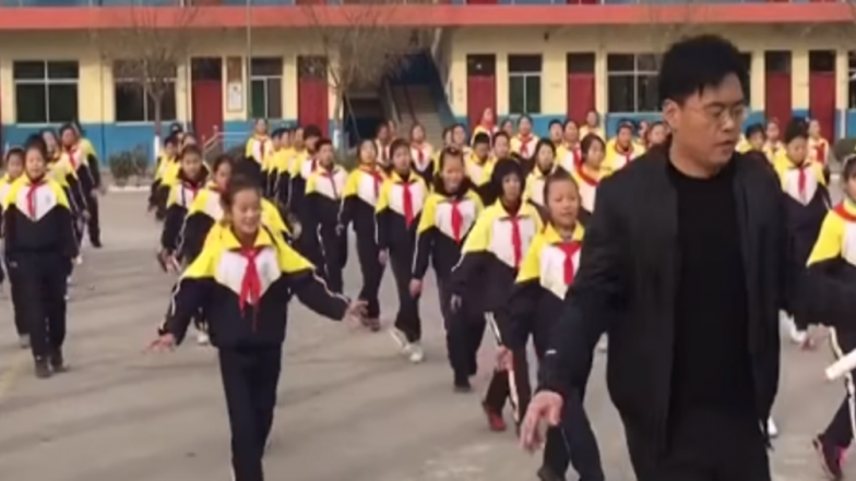 Chinese School Principal Dances With His Students and Motivates Them to Exercise; Watch Video