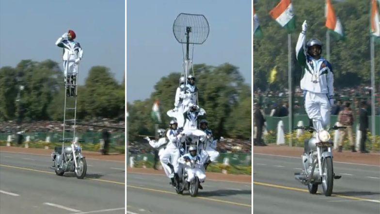 Republic Day 2019 Parade Video: Daredevils Amaze Crowd With Mind blowing Bike Stunts During R-Day Celebrations at Rajpath