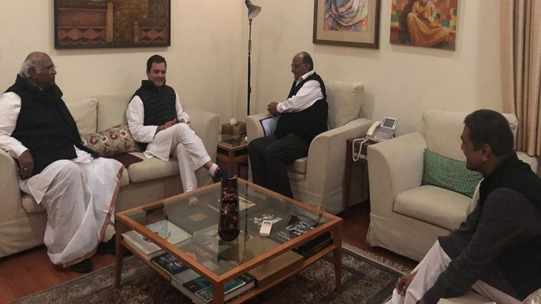 Lok Sabha Elections 2019: Congress President Rahul Gandhi Meets Sharad Pawar to Discuss Possibility of 'Mahagathbandhan'