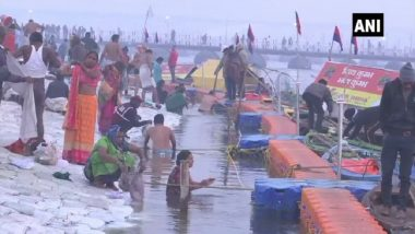 Kumbh Mela 2019: 'Pravasi Bharatiya' Carries Holy Water With Them After Taking Dip at Sangam