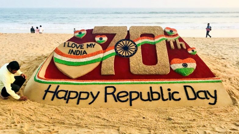 Indian Republic Day 2019 Sand Art by Sudarsan Pattnaik is So Beautiful! See Photo of 'I Love My India' Sand Art at Odisha's Puri Beach