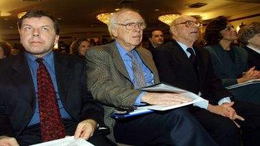 James Watson, Nobel Prize-Winning DNA Scientist, Stripped of Honours Over Racist Remarks: Watch Video of His Controversial Comments