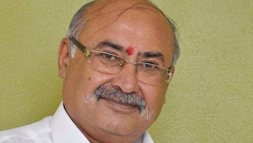 Gujarat BJP Leader Jayanatilal Bhanushali Shot Dead in Moving Train, Police Launches Manhunt