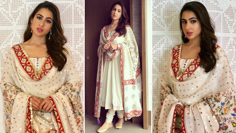 3d807548d9 Sara Ali Khan Is So Elegant In This Desi Avatar That Makes Her ...