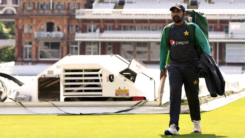 Sarfraz Ahmed to Be Banned for Racial Comments? Pakistan Captain Faces Ban of 4 ODIs or 2 Tests for Calling Andile Phehlukwayo 'Kaala'