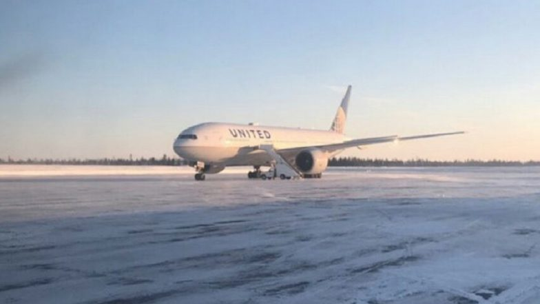 Hong Kong Bound Flight Stranded for More than 14 Hours in -14 Degrees Weather in Canada
