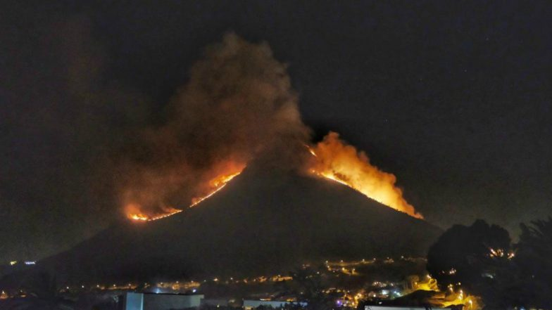 Wildfires Rage on Cape Town's Lion's Head Mountain