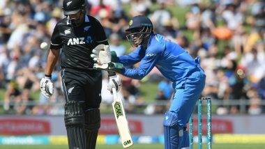 MS Dhoni's Lighting Quick Stumping During Ind vs NZ 2019, 1st ODI to Dismiss Lockie Ferguson is Too Good to be Missed (Watch Video)