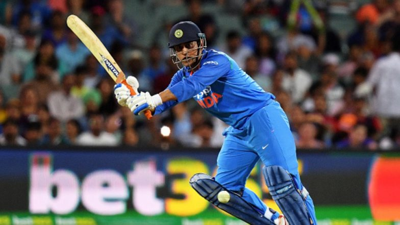 MS Dhoni Becomes the FIRST Indian to Score 350 Sixes Across All Formats During India vs Australia 2nd T20I 2019