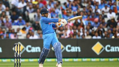 MS Dhoni Gets Huge Round of Applause from Fans at MCG, Was it MSD's Last Match on Australian Soil? (Watch Video)
