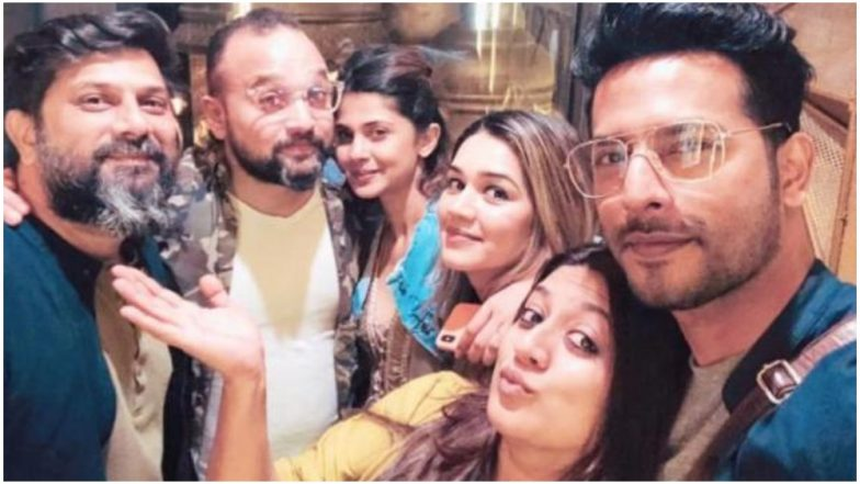 Bepannaah: Jennifer Winget Catches Up With Bestie Sehban Azim and Team After She Returns From Her Kashmir Vacation – View Pic