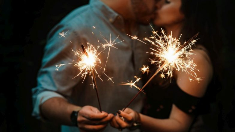 Happy New Year 2019: Why Do People Kiss on New Year? Know about Celebration of Saturnalia and The New Year Sex Traditions