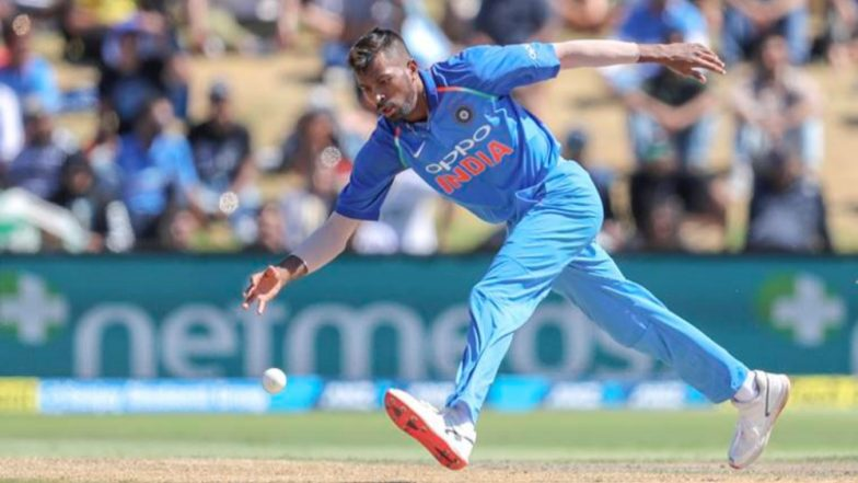 Hardik Pandya Loses his Cool on Shikhar Dhawan During 3rd ODI Against New Zealand (Watch Video)