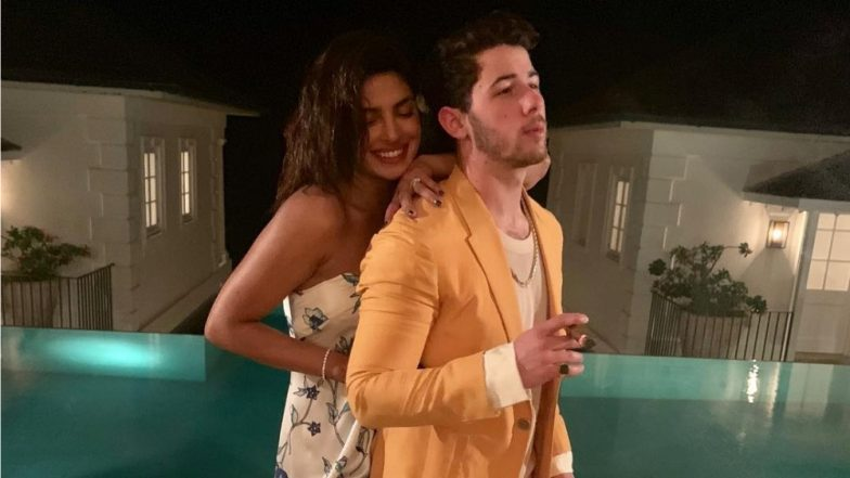 Priyanka Chopra and Nick Jonas Cannot get Enough of Each Other, 'Mr & Mrs Jonas' Pose For a Perfect Picture!