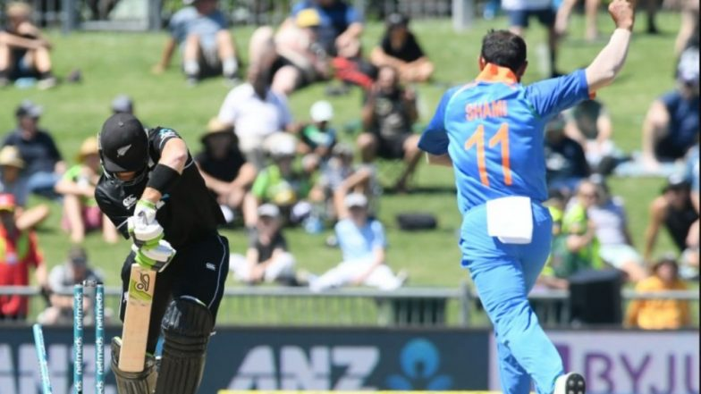 Mohammed Shami Becomes Fastest Indian Bowler to Take 100 Wickets in ODIs, Accounts for Martin Guptill to Achieve the Feat; Watch Video Highlights of Ind vs NZ 1st ODI
