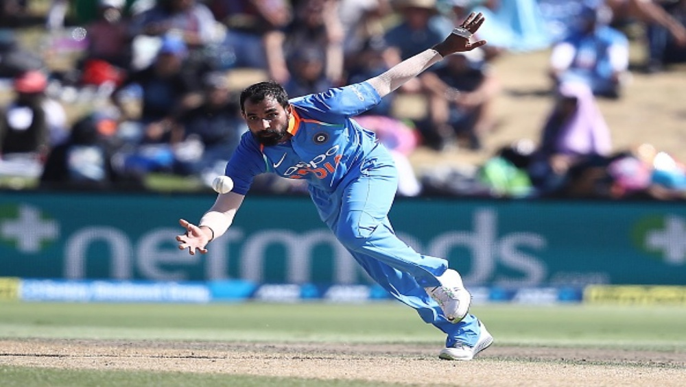 India vs New Zealand 1st T20I 2020: Shardul Thakur and Mohammad Shami Taken to the Cleaners As Kiwis Post 203/5 (Twitter Reacts)