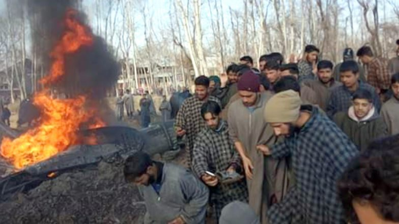 J&K: Indian Air Force MiG-21 fighter crashes in Budgam