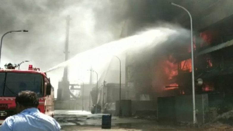 Maharashtra: Fire Breaks Out at Oil Factory in Raigad; 12 Fire tender Rush to Spot
