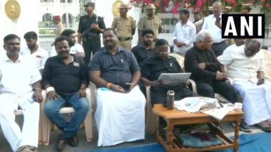 CM Narayanasamy Dharna Against Kiran Bedi Enters Third Day, L-G Leaves For Delhi