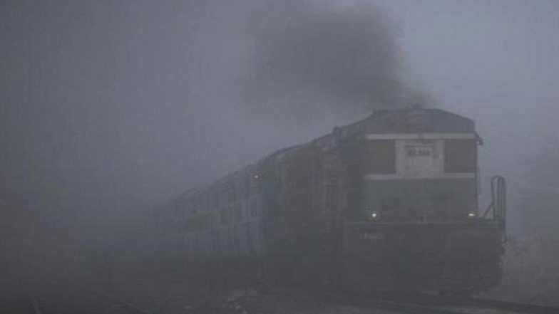 Delhi Winters: Dense Fog Engulfs National Capital, 17 Trains Running Late