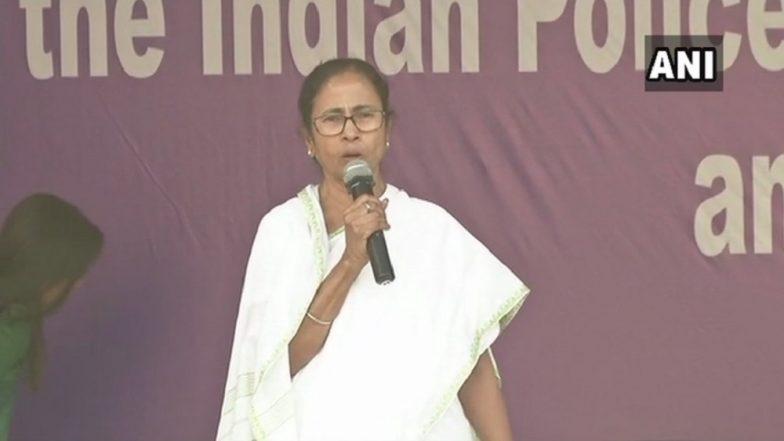 Mamata Banerjee Vs CBI: West Bengal CM Ends Sit-In, Apex Court Asks Rajeev Kumar to Appear Before CBI