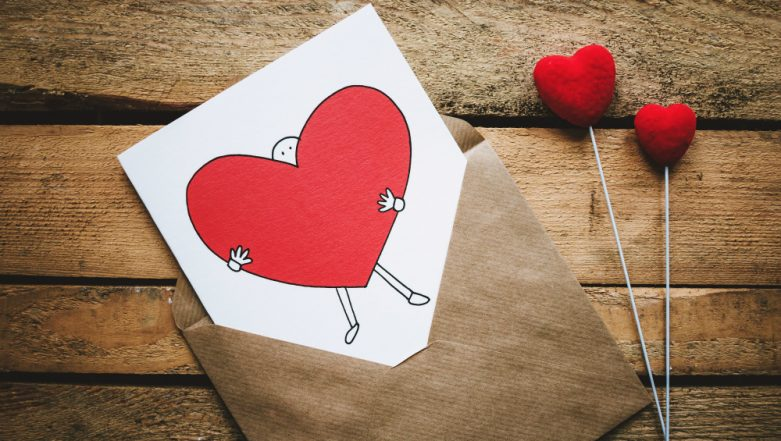 Happy Valentine's Day 2019 Images & HD Wallpapers for Free Download Online: Valentine's Day Romantic GIFs & WhatsApp Sticker Messages to Greet on The Day of Love