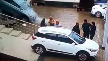 Himachal Pradesh: Woman Drives Car Outside Hyundai Mandi Showroom After Ramming Through Glass Pane; Watch Accident Video