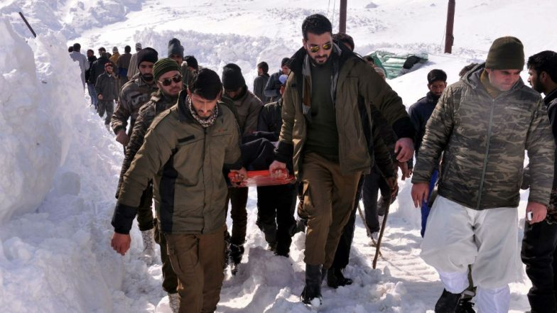 Jammu & Kashmir: 12 killed, Including 5 Policemen After Season's Heaviest Snowfall