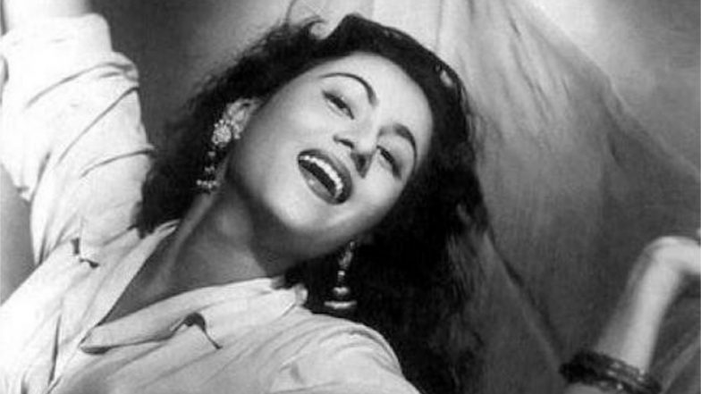 Madhubala 86th Birth Anniversary: James Burke Clicked the Mughal-E-Aazam Actress For Hollywood Magazine LIFE and Gave Us The Most Beautiful Pictures Ever!