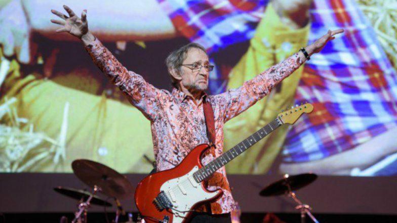 Musician Peter Tork, Monkees' Lovable Bass-Guitar Player Dies at 77