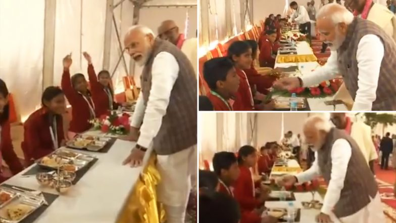 PM Narendra Modi Serves 'Third Billionth Meal' to Children in Vrindavan, Interacts With Them - Watch Video