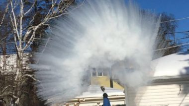 Polar Vortex 'Boiling Water Challenge' Goes Viral! Watch Videos of Hot Water Turning Into Ice in Seconds